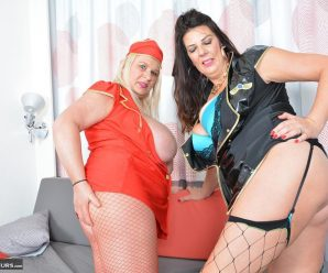 Southend MILF and her BBW friend finger each other